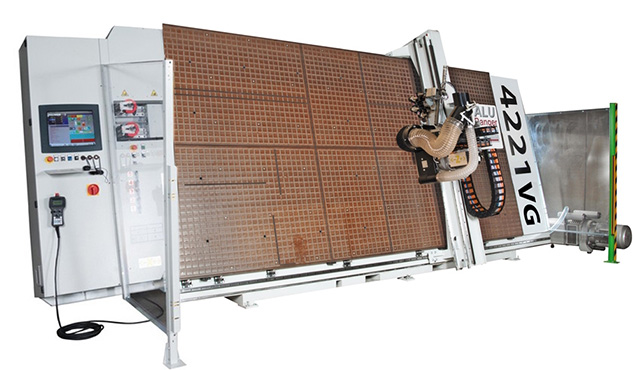 A képen a termék, egy ALU RANGER 4221 VG látható.