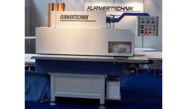 A képen a termék, egy Furniertechnik LZM-LA látható.