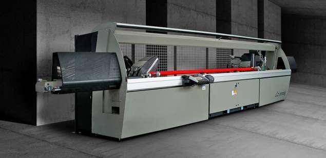 A képen a termék, egy Emmegi Precision T2/R2 E-HS páros daraboló fűrész látható.