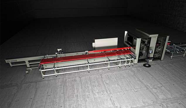 A képen a termék, egy Emmegi Quadra L2 CNC megmunkáló központ látható.
