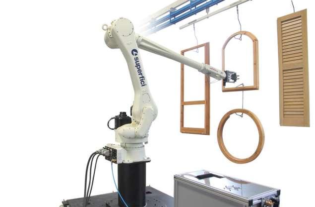 A képen a termék, egy Superfici Robot Maestro - 3D festőrobot látható.