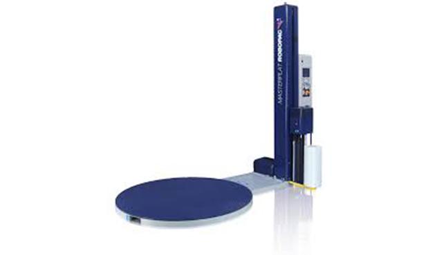 A képen a termék, egy ROBOPAC Masterplat FRD fóliázógép látható.